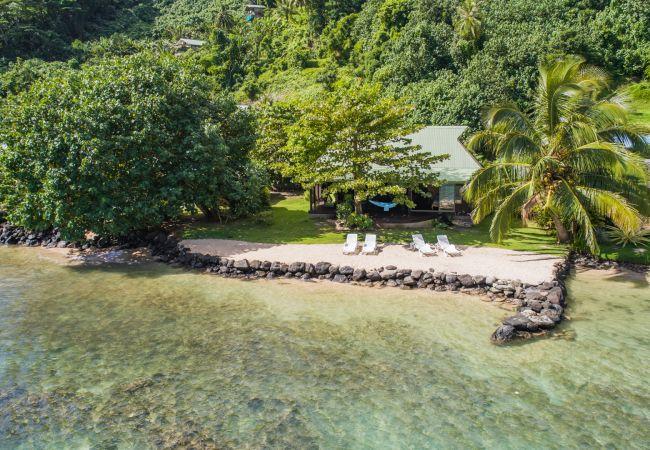 Villa in Papetoai - Beach Villa Wallis - Robinson's Cove